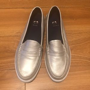 Cole haan metallic silver shoes sz 8